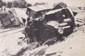 قطار أنزل من سكة الحديد